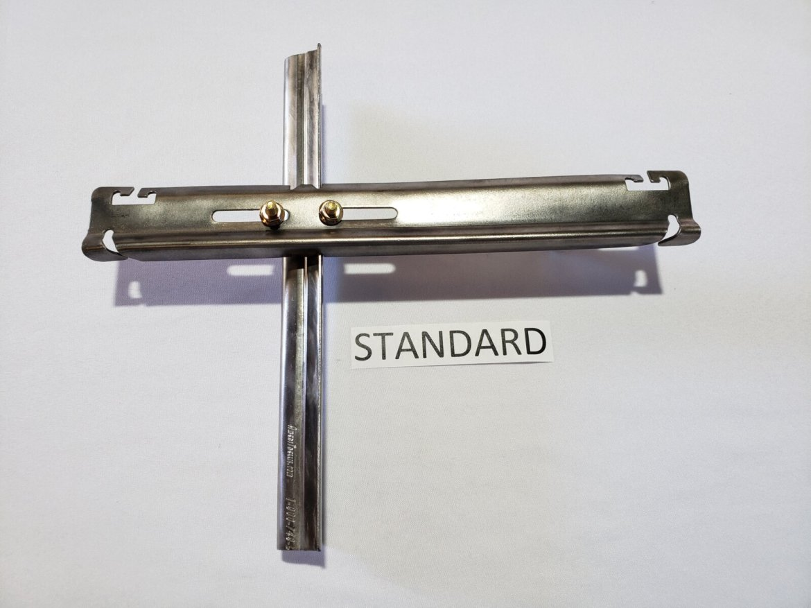 Metal Grapestake With Standard Offset L-Style Crossarm