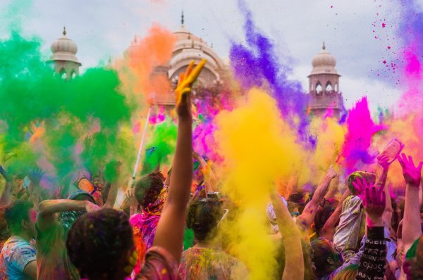 holi tips for skin and hair in hindi