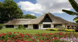 ngorongoro farm house karatu view rift valley tanzania private expeditions