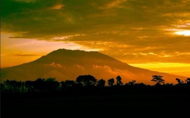 Gunung Lawu Berpotensi Meletus