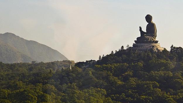 Patung Budha Tian Tan di Hongkong