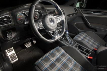 Volkswagen Golf GTE sisusta