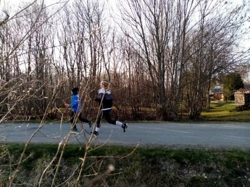 Lõuna-Läänemaa II Jooksunädal: jooksevad õde-vend Liset ja Henry Kurnim Lihula koolist