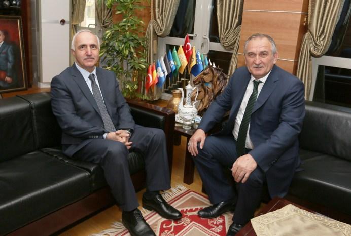 IMG 2168aa - Rektör Vekili Mollaibrahimoğlu Bolu Belediye Başkanı Yılmaz'ı Ziyaret Etti