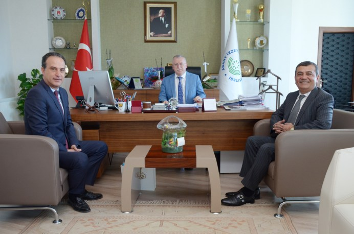 DSC 8611a - Abdi Ayhan Önder'den Rektör Alişarlı'ya Ziyaret