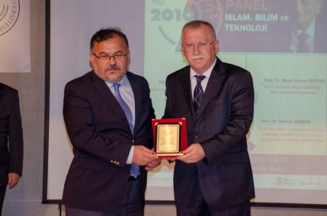 """DSC 8379 - 2019 Prof. Dr. Fuat Sezgin Yılı kapsamında  """"İslam, Bilim ve Teknoloji"""" Paneli Düzenlendi"""
