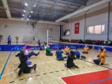 Oturarak Veleybol 3 - Hemşirelik Bölümü Öğrencileri, Oturarak Voleybol Takımıyla Maç Yaptı
