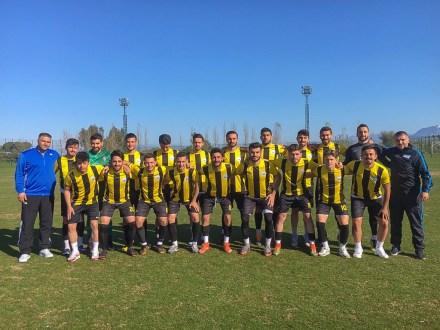 futbol 2 - BAİBÜ Kadın Futbol Takımı, Üniversiteler Arası Salon Futbolunda 1. Lig'e Yükseldi