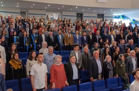 DSC 0003 2 - BAİBÜ İletişim Fakültesi Gazetecilik Bölümü İlk Mezunlarını Verdi
