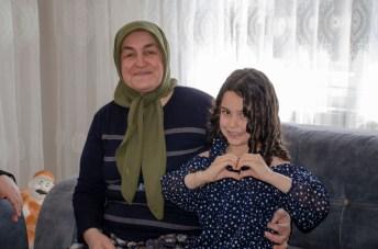 DSC 1885 - Rektör Alişarlı Anneler Gününde Şehit Ozan Özen'in Annesini Ziyaret etti.