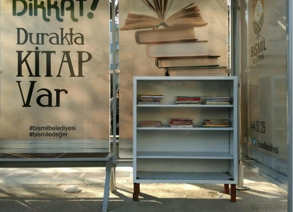 Bismil'de kütüphaneli duraklar hizmete açıldı