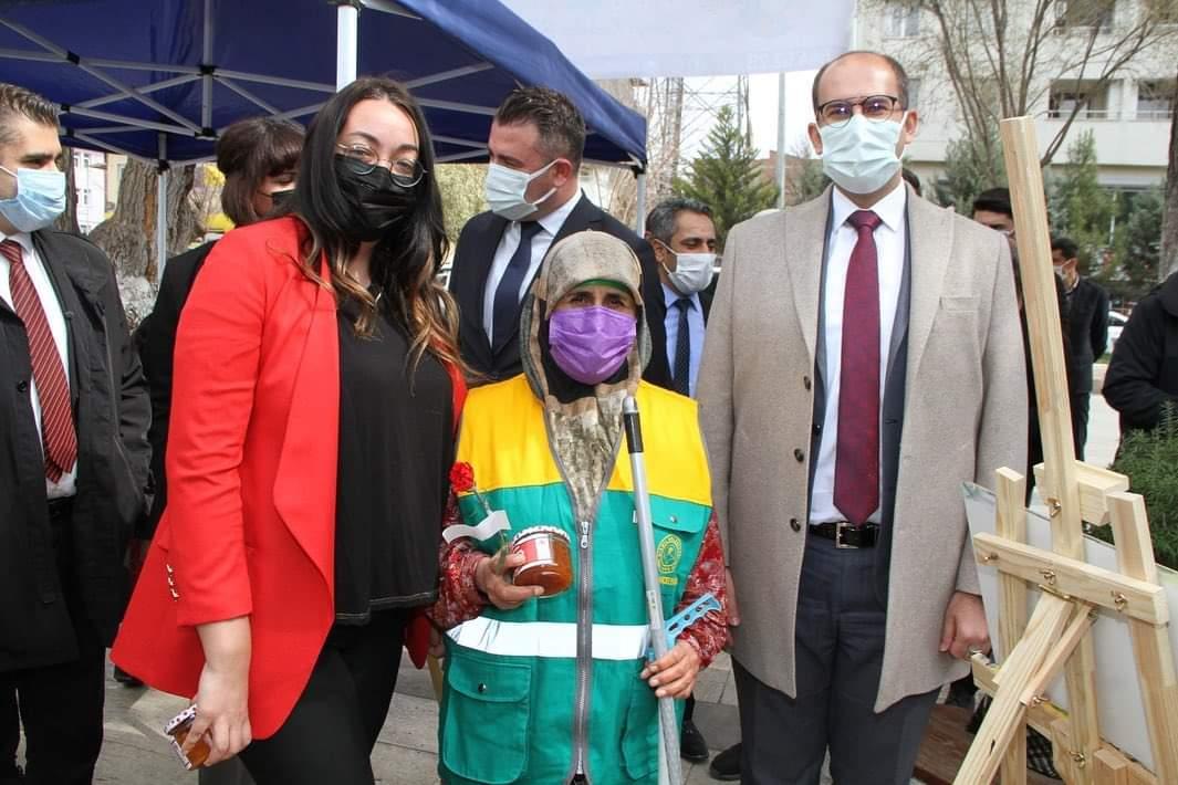 Kaymakam Türkmen 8 mart KADINLAR GÜNÜNÜ kutladı
