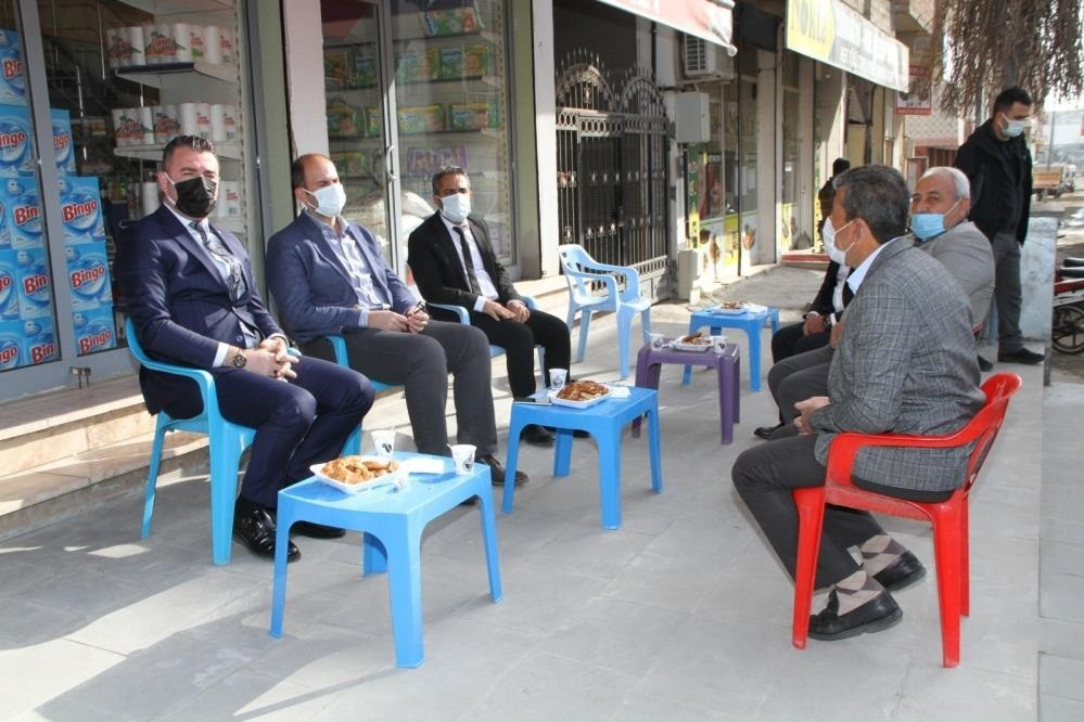 "Bismil Kaymakamı Türkmen: ""Çay sizden, simit bizden"""