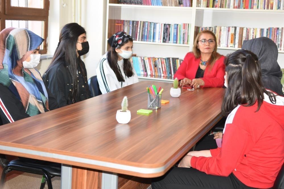 Siverek'te 'bırakın kızlar okusun' projesi