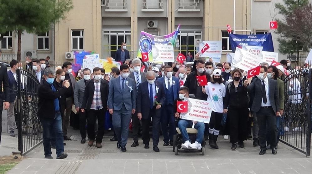 Diyarbakır'da Dünya Otizm Farkındalık Günü yürüyüşü