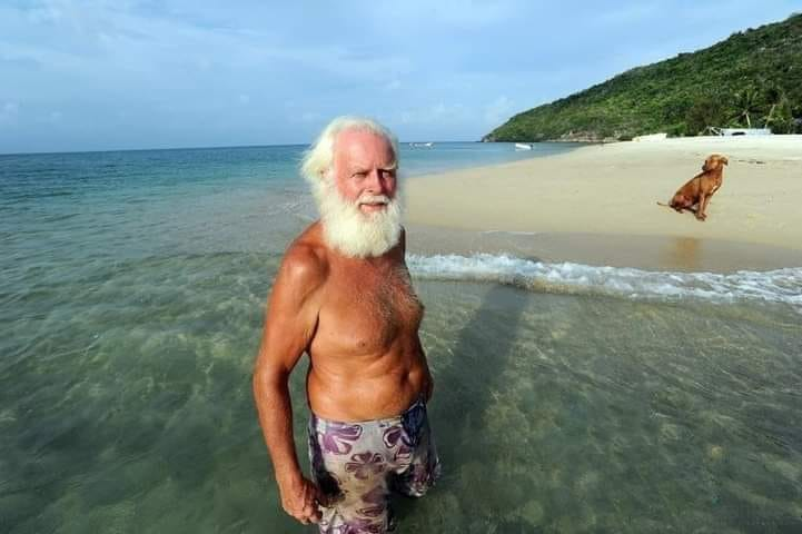 Issız ada satın aldı ve orayı Cennet haline getirdi