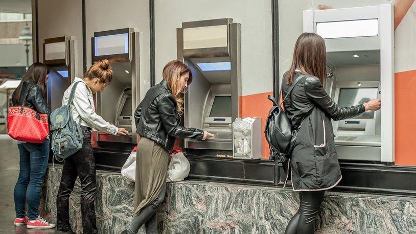 ATM'den 30 lira çekti, 7 bin lirası gitti!