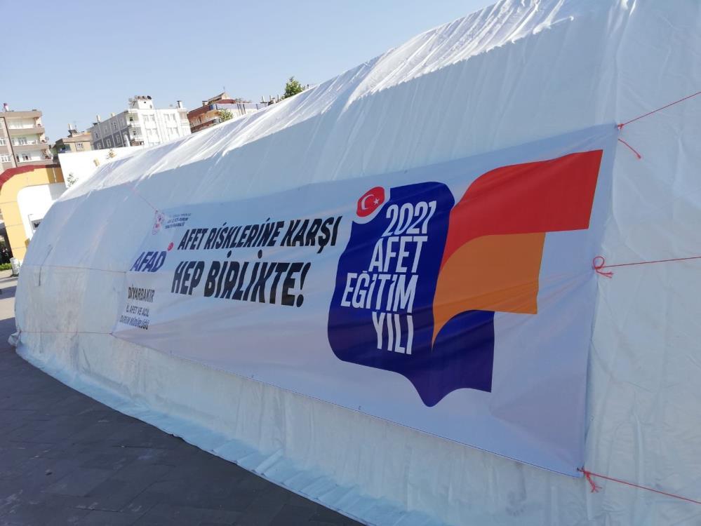 Diyarbakır AFAD tarafından afet eğitim çadırı kuruldu