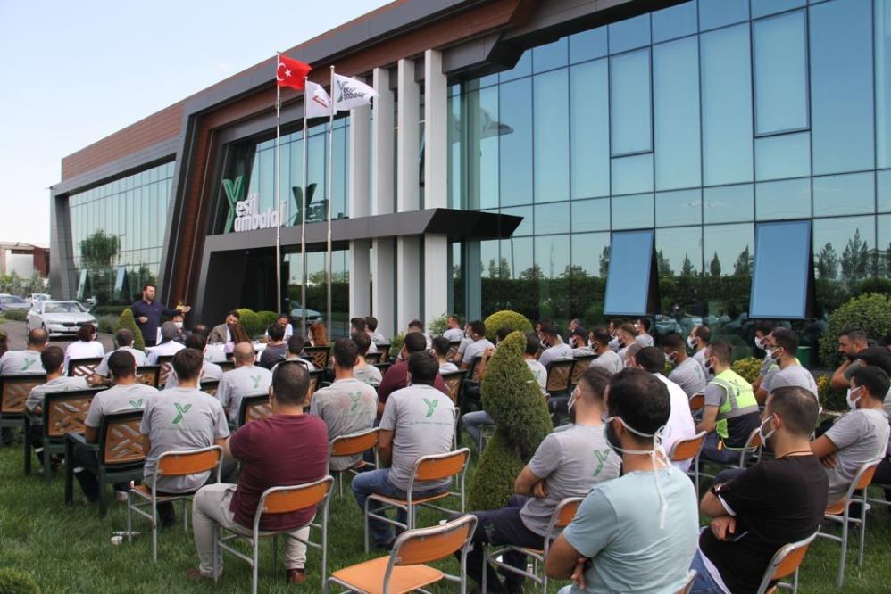 Diyarbakır'da İşçilere 'Tedirgin olma aşı ol' çalışması düzenlendi