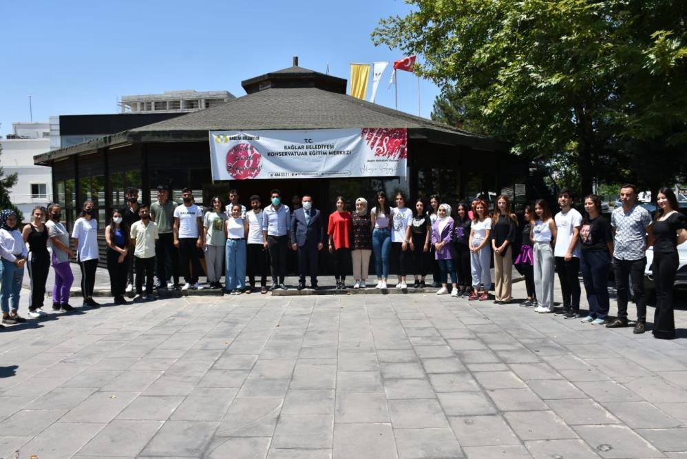 Konservatuar adayları Bağlar Belediyesi'nin desteğiyle sınavlara hazırlanıyor