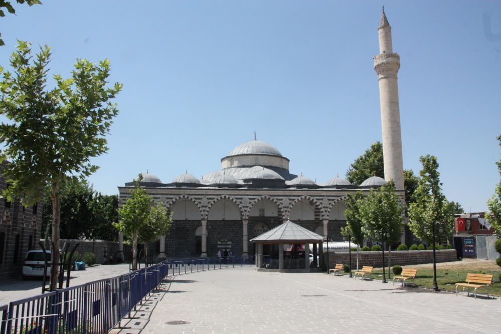 Diyarbakır'da 15 Temmuz etkinlikleri Kurşunlu Cami meydanında yapılacak