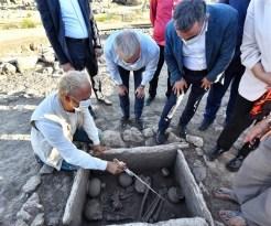 Diyarbakır'da 5 Bin Yıllık Sandık Mezar Ortaya Çıkarıldı