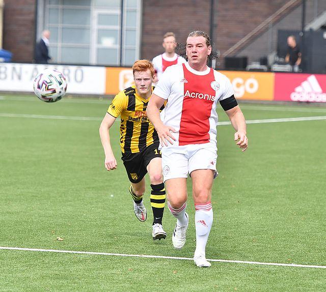 Ajax verliest eerste competitiewedstrijd