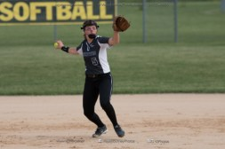 Softball Varsity Vinton-Shellsburg vs Clear Creek Amana 2014-5046