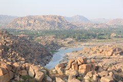 Tungabhadra with very little flow and Hampi is all rocks!