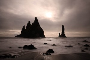 Read more about the article BEHIND THE SHOT – REYNISDRANGAR SEA STACKS IN ICELAND