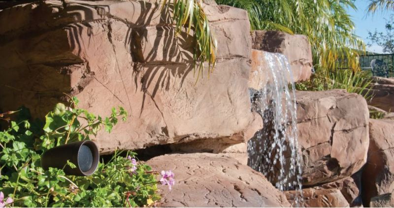 Outdoor-waterfall-picture