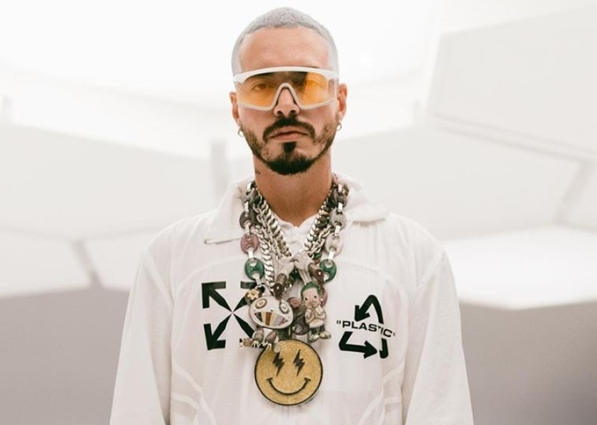 His previous albums have hit the billboard top charts and he continues to be one of the most streamed artists in the world. J Balvin presenta el nuevo video de su tema «Gris» del