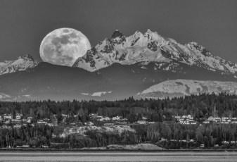 2019-03-20 Full Moon B&W