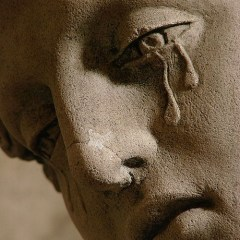 Mary Magdalene Crying statue/Wikimedia Commons