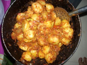 Fried Potatoes in Kashmiri Chilli Powder