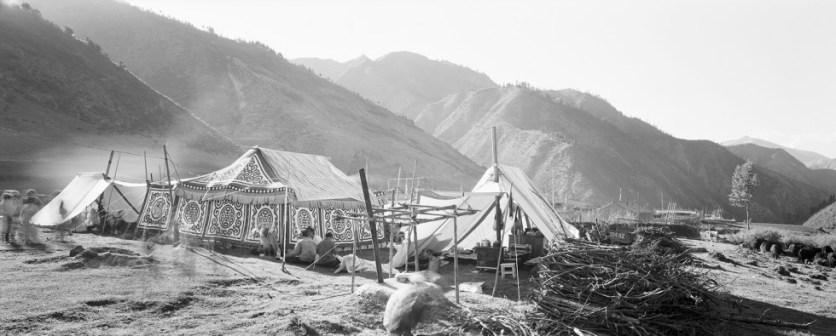 CH02410-Summer-camp-Xiahe-copy-980x395