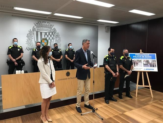 Badalona recupera la Unitat de Policia de barri i posa a patrullar a peu per tota la ciutat a 48 agents de la Guàrdia Urbana