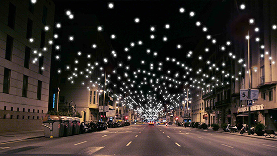 Las luces de Navidad iluminan las calles de Barcelona