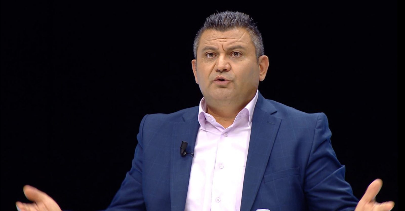 Gazetari jep ALARMIN: Rinia shqiptare në krizë të madhe besimi! Modelet janë prostitutat dhe trafikantët e drogës