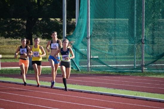 Simona Jambrošić trči na Pojedinačnom prvenstvu Hrvatske za mlađe juniore i juniorke
