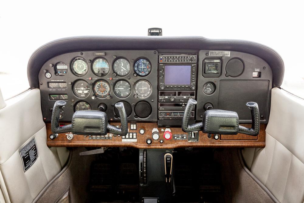 N64056 Instrument Panel