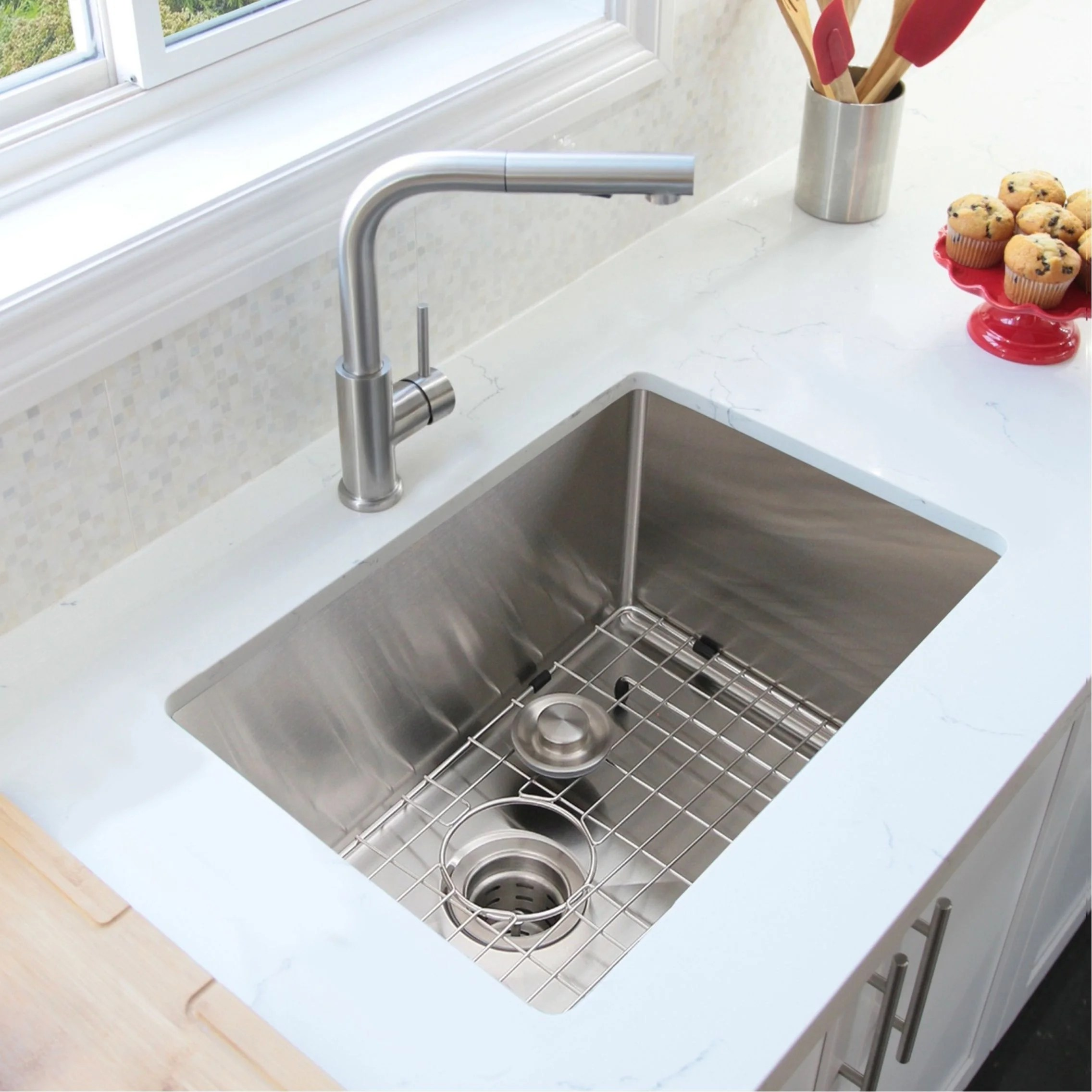 30 l x 18 w stainless steel single basin undermount kitchen sink with grid and strainer