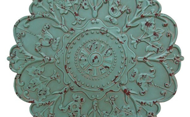 Stratton Home Decor Shabby Medallion Wall Decor 17623983