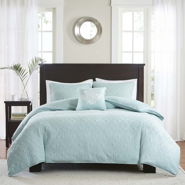 Red Bedding Seafoam And