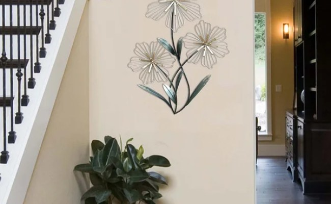 Shop Stratton Home Decor Tri Flower Metal Wall Decor