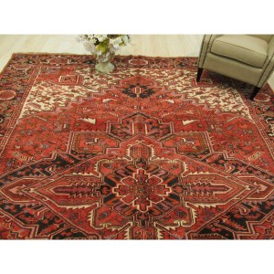 Hand-knotted Wool Rust Traditional Geometric Heriz Rug (9'9 x 12'9)