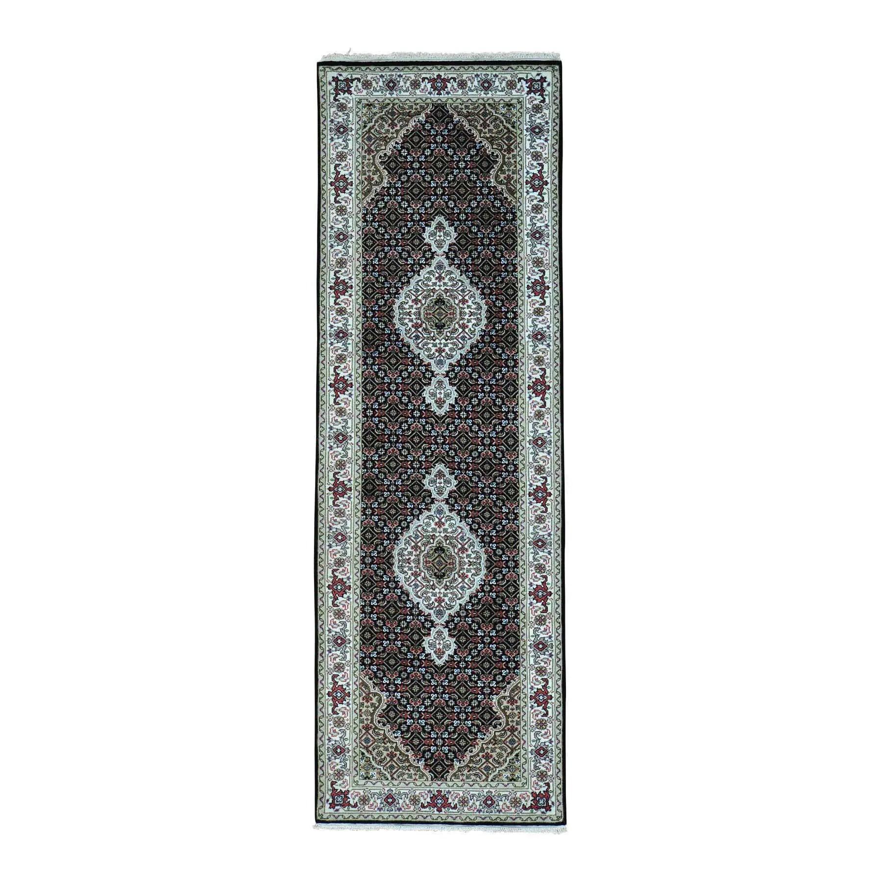 Shahbanu Rugs Hand-Knotted Wool and Silk Tabriz Mahi 250 Kpsi Runner Rug (2'7x10'0)