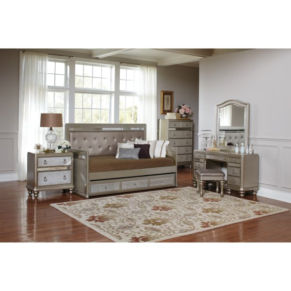Silver Orchid Arcaro Glam Metallic Daybed - Free