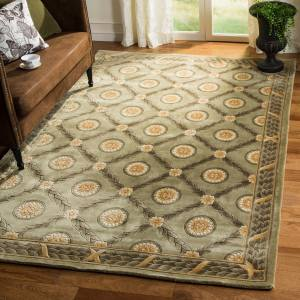 Safavieh Couture Handmade Florence Traditional Oriental - Wool Rug - Assorted - 4' x 6'