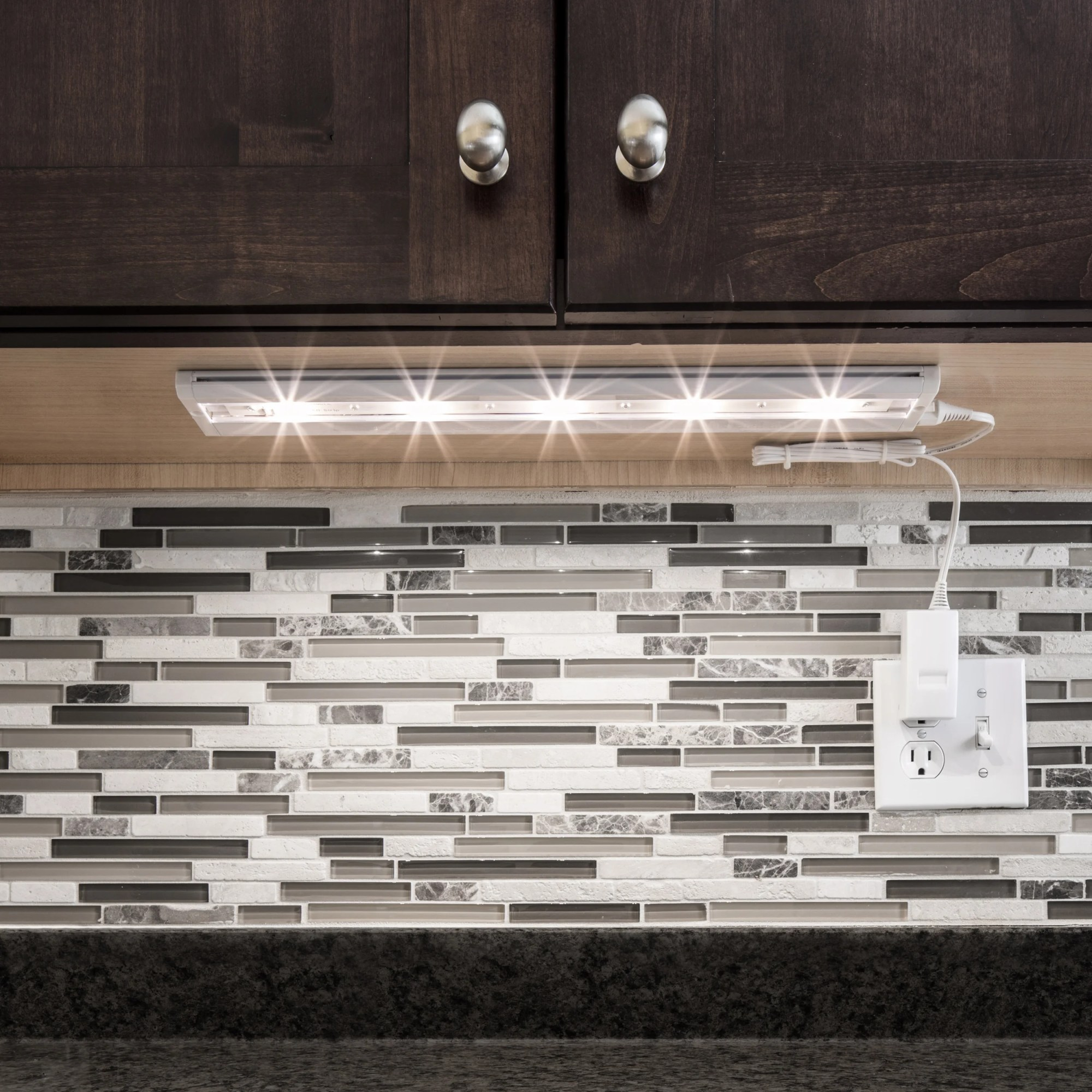 hight resolution of under cabinet lights